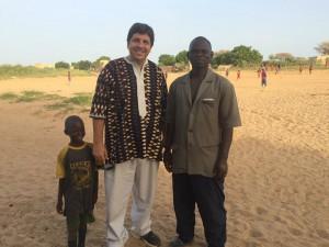 com Mamadou Ba