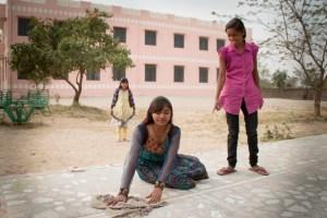 © Clara.Go-Plastic and Cartoons a Jhag Children Villagge - Rajasthan - i-india