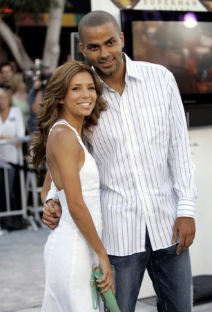 Eva Longoria and her boyfriend Tony Parker attend the world premiere of Superman Returns in Los Angeles