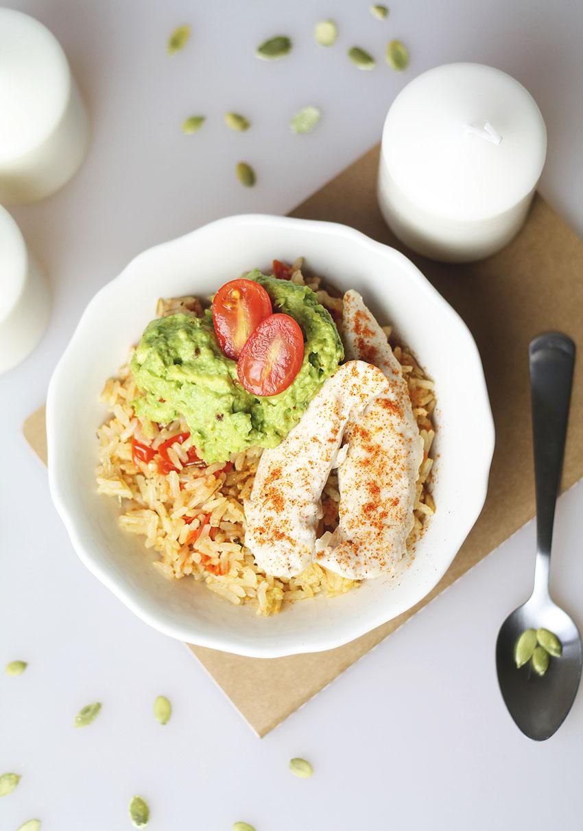 Bol complet poulet guacamole et riz provençal 2