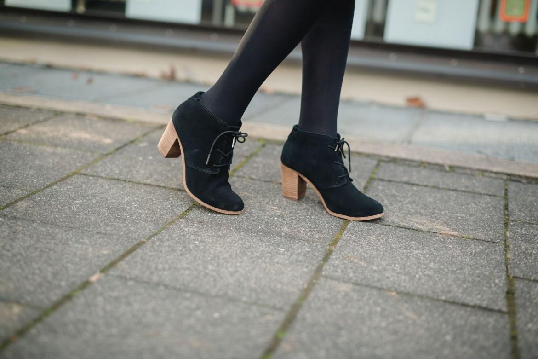missbonnebonne-fashionblog-koeln-festtagslook-weihnachten-outfit-hessnatur-toms-mcm-3