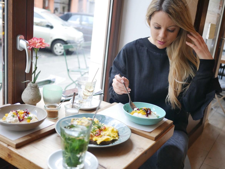 missbonnebonne südstadt köln geschnitten brot frühstück kaffee kuchen vegan (7)
