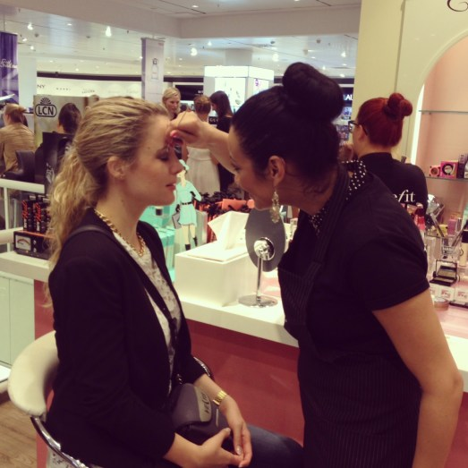 Feel London Karstadt Eröffnung Düsseldorf Promis Celebrities benefit cosmetics