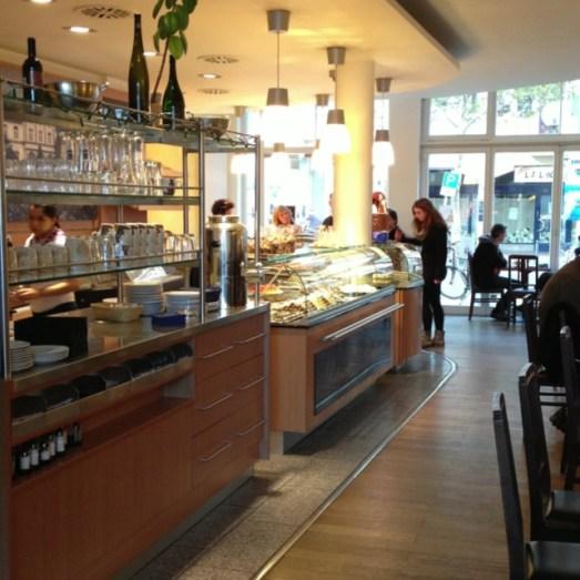Schloss Café Poppelsdorf Clemens August Straße Torten Kaffee Kuchen (5)