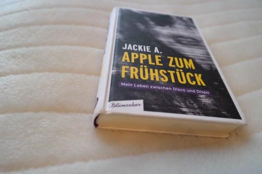 Buchtipp Lesetipp Empfehlung Apple zum Frühstück Jackie A