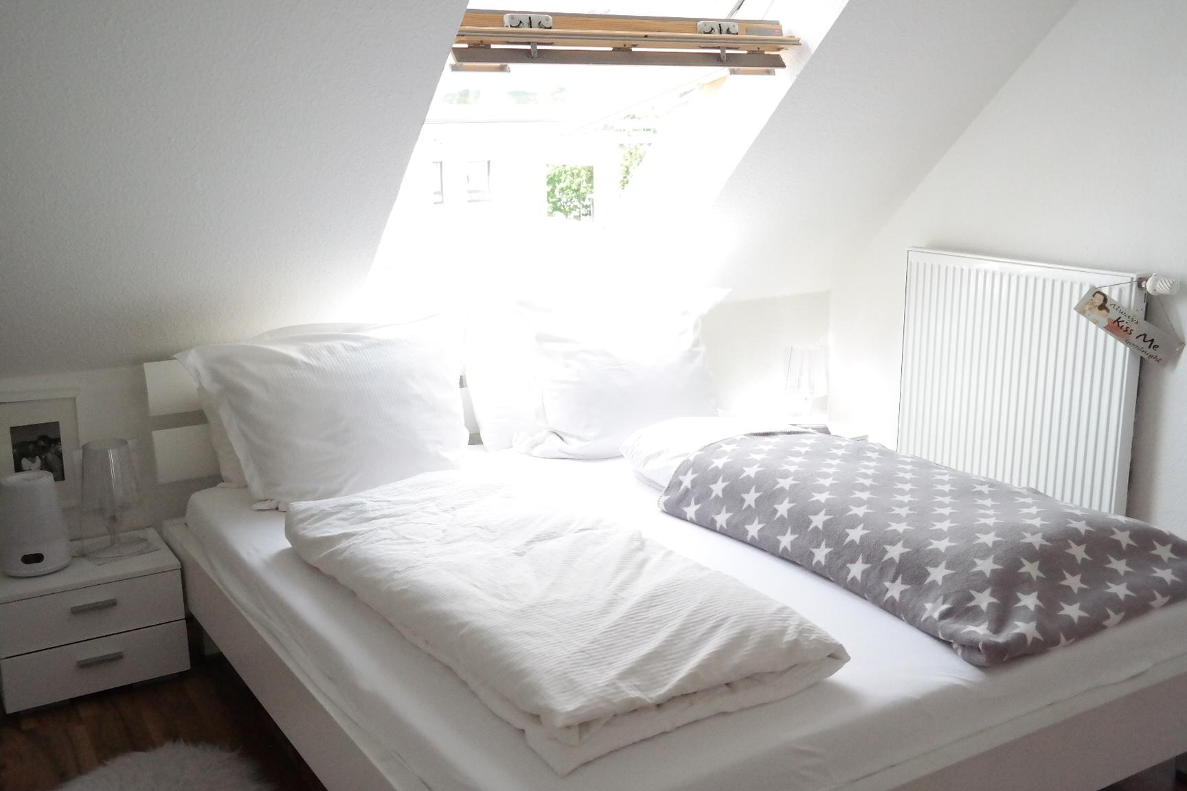 Attraktiv MissBB Schlafzimmer Bonn Weiß Phillips Wake Up Light Wecker Bettwäsche Weiß  Gesund Schlafen