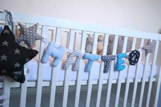 Girlande Babygeschenk individualisiert Name Babyzimmer