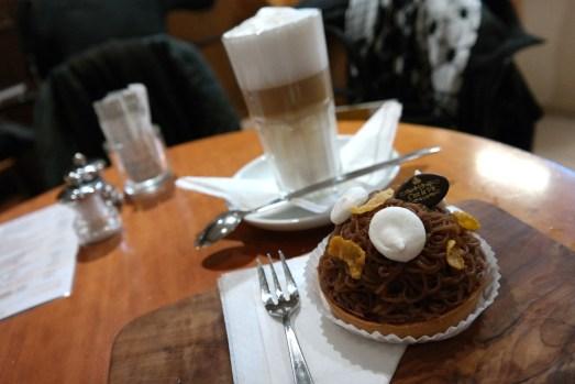cest la vie kölnstraße kuchen törtchen tartes kaffeetrinken cafe mittagessen mittagstisch salate restaurant selbstgemacht smoothies frisch gepresst CSC