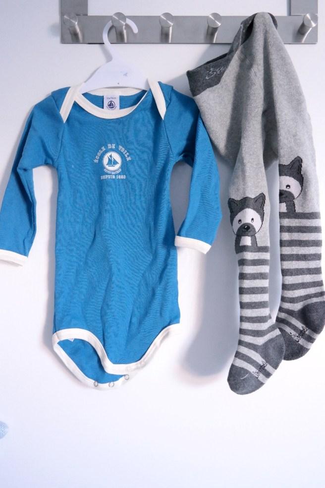 Baby winterfest was braucht baby im winter langarmbody petit bateau thermostrumpfhose