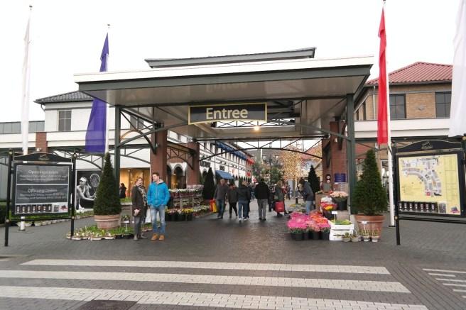 Roermond Tagesausflug Sonntag verkaufsoffen Lifestyleblog MissBonnebonne Holland Outlet Shopping