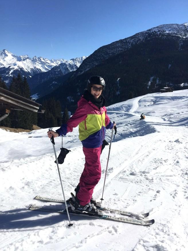 Missbbontour Reiseblog Reisen mit Kindern Blog Bonn Lifestyle Kurztrip Skifahren Skiurlaub HIntertux Gletscher Mayrhofen Hütte