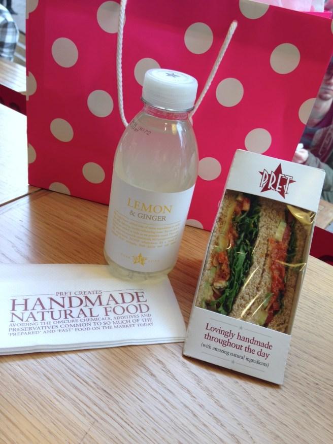 #missbbontour London Tagestrip Kurztrip Köln Bonn Eurowings Reiseblog Lifestyleblog Fliegen Wochenende Pret a manger günstig frühstücken superfood