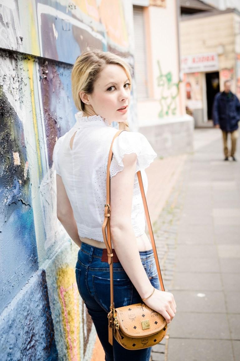 Fashionblog Bonn Köln Missbonnebonne Mathias Radke Details Sommer 2016 Outfit Bluse Zopf Ibiza HIppie Destroyed Denim