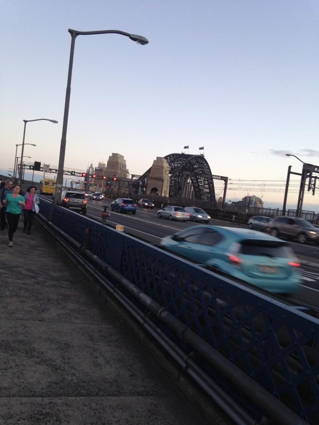 Reisen mit Baby Kindern Australien Ostküste Roadtrip Sydney Inlandsflug Erfahrungsbericht Reiseblog Mamablog Empfehlung habour bridge