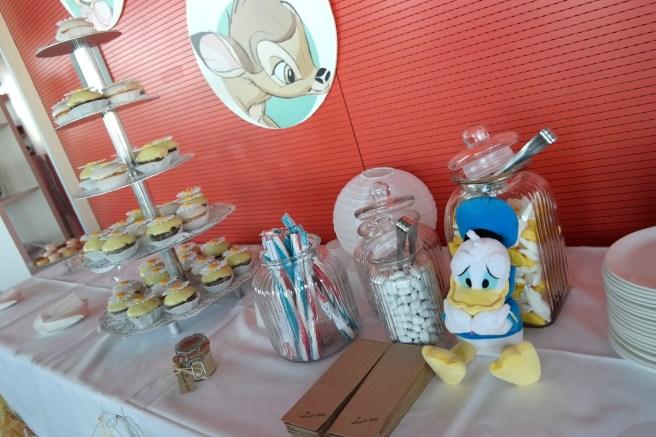 Kind und Jugend 2015 Messe Neuheiten Mamablog Bloggertreffen Aden Anais Disneybreakfast Baby Geschenk zur Geburt zum ersten Geburtstag Cupcakes Disneymotiv
