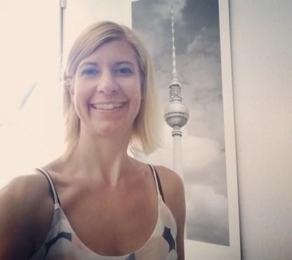 Moana Mahina mit Berliner Hintergrund
