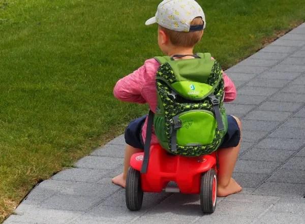 Autofahren mit Kindern, tipps, tricks, lange autofahrt, kind, kleinkind, reisen, familie, mamablog