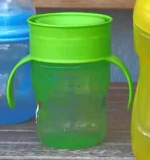 Trinkflaschen Kinder test avent unterwegs kleinkind trinklernflasche
