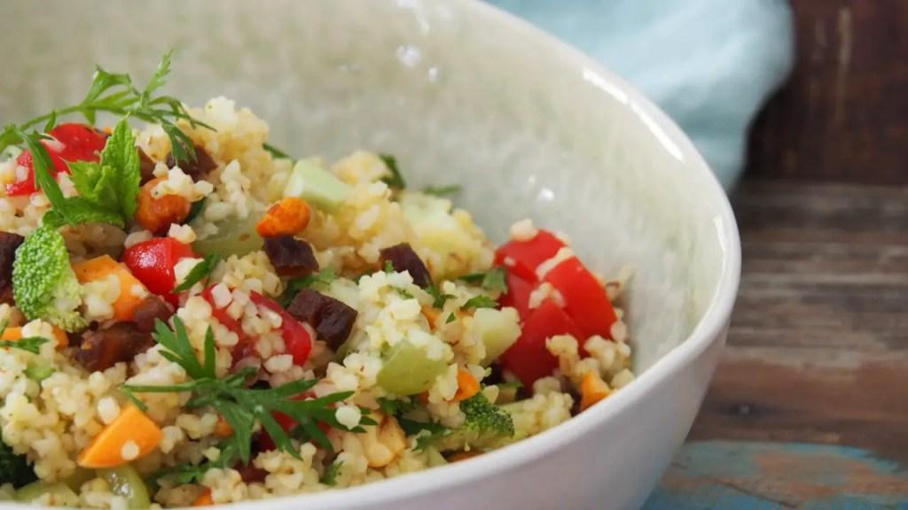 Karottenkraut rezepte karotte foodwaste salat broccoli karotte karottengrün rezept vegan vegetarisch