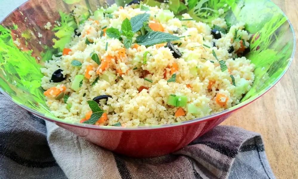 Couscous Salat, couscoussalat, taboulé, rezept, vegan, vegetarisch, blitzrezept, schnelle küche, foodblog, mamablog, grillieren, beilage, salatbowl, kinder