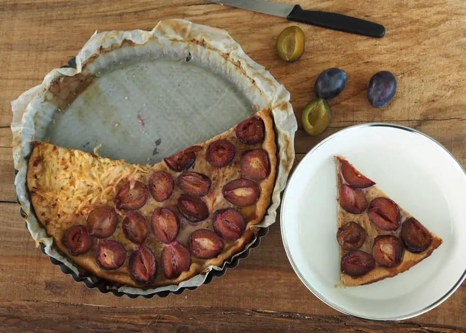 zwetschgen tarte, kuchen, wähe, rezept, vollkorn, einfach, ohne zucker, zuckerfrei, herbst, rezept, apfel, foodblog