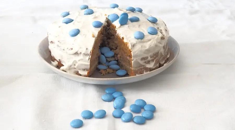 Karottentorte gesund Geburtstag Pinata rezept, 1. Geburtstag, Kind, Baby, ohne Zucker, Smarties, zuckerfrei, überraschung, geburtstagskuchen, geburtstagstorte, karottenkuchen, rüeblitorte, geburtstag, rezept, gesund, vollkorn