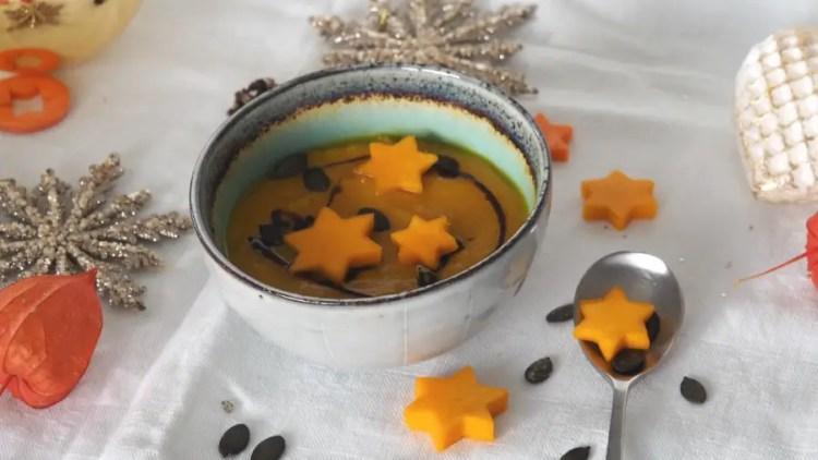 orangen kürbis suppe, orangenkürbis, advent, weihnachten, rezept, vegan, einfach, gemüsesterne, festlich, foodblog, kinder, familie, einfach kochen
