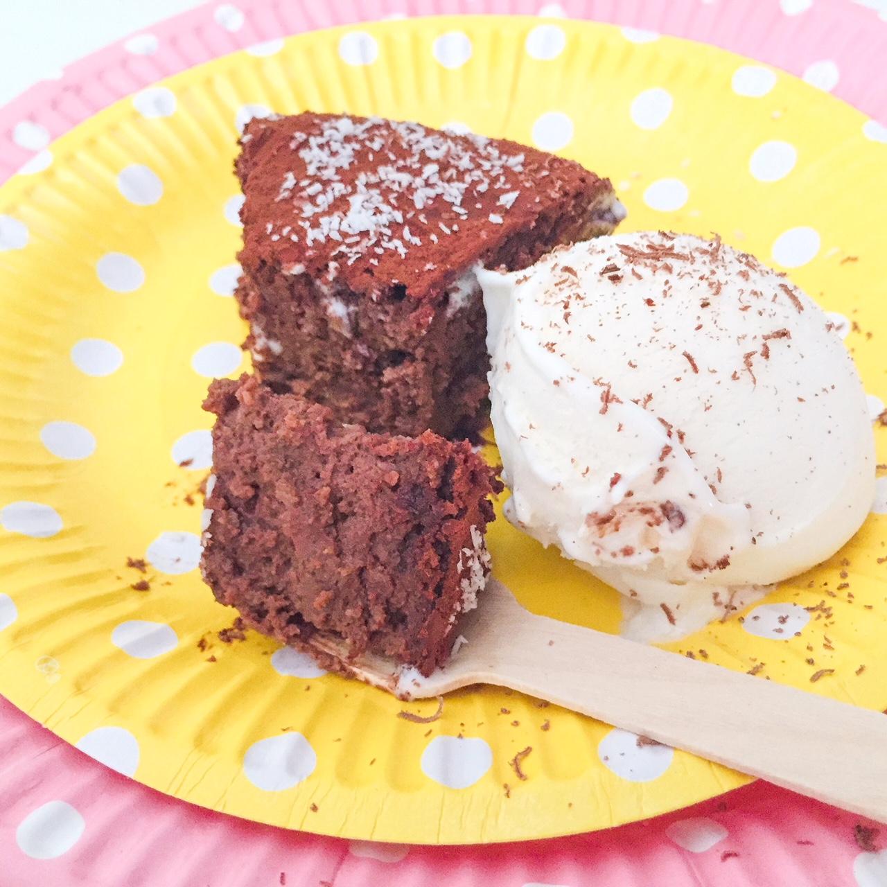MOELLEUX al cioccolato, ricotta e cocco_fetta con gelato