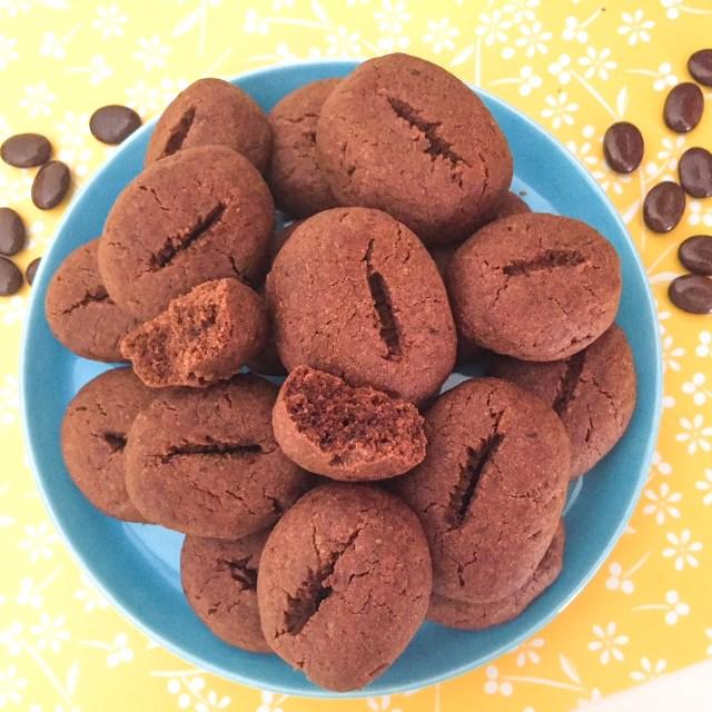 BiscottI chicco di caffè_chicco aperto