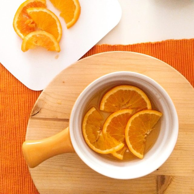 Torta al miele e spremuta di arancia_fette caramellate