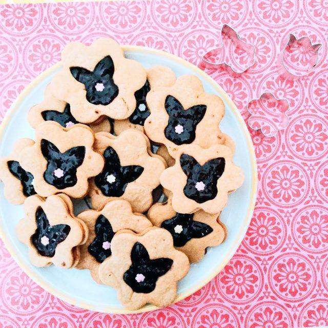 Biscotti frolla all'olio con coniglietto