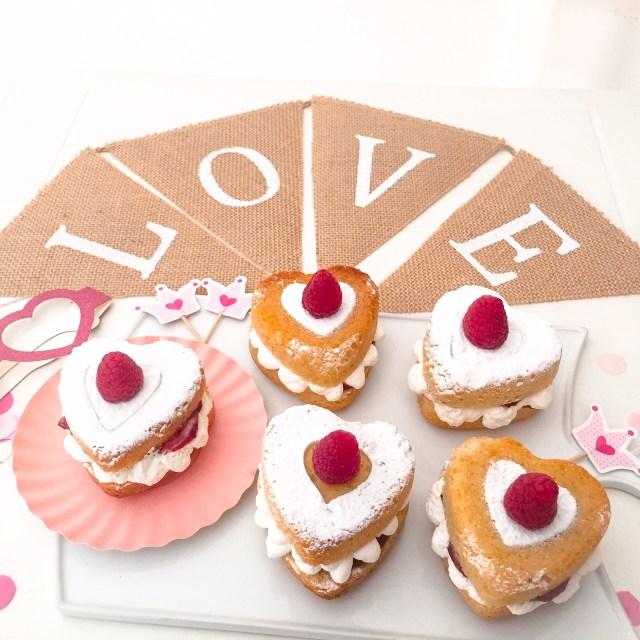 MINI VICTORIA SPONGE CAKE_love