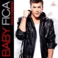 Baby fica (2013)