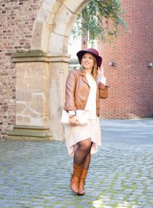 missesviolet-fashion-layering-nude-dress-and-brown-leather6