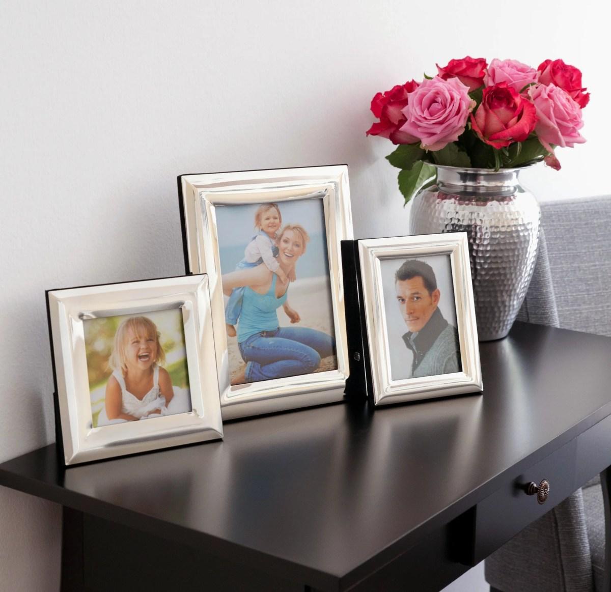 4787 Fotorahmen Bilderrahmen Gela für Foto 10 x 15 cm, edel versilbert, anlaufgeschützt, mit 2 Aufhängern