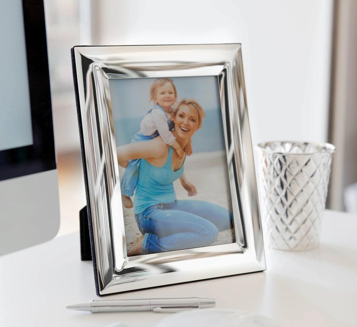 4788 Fotorahmen Bilderrahmen Gela für Foto 13 x 18 cm, edel versilbert, anlaufgeschützt, mit 2 Aufhängern