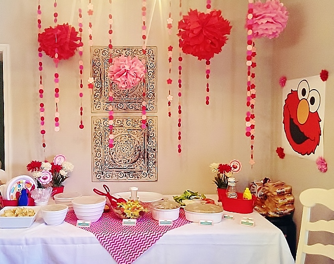 Pink & Red Elmo Birthday Party Decor | missfrugalfancypants.com