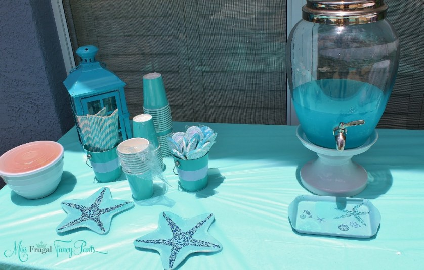 Little Mermaid Under the Sea 1st Birthday Party Outdoor Decor| missfrugalfancypants.com