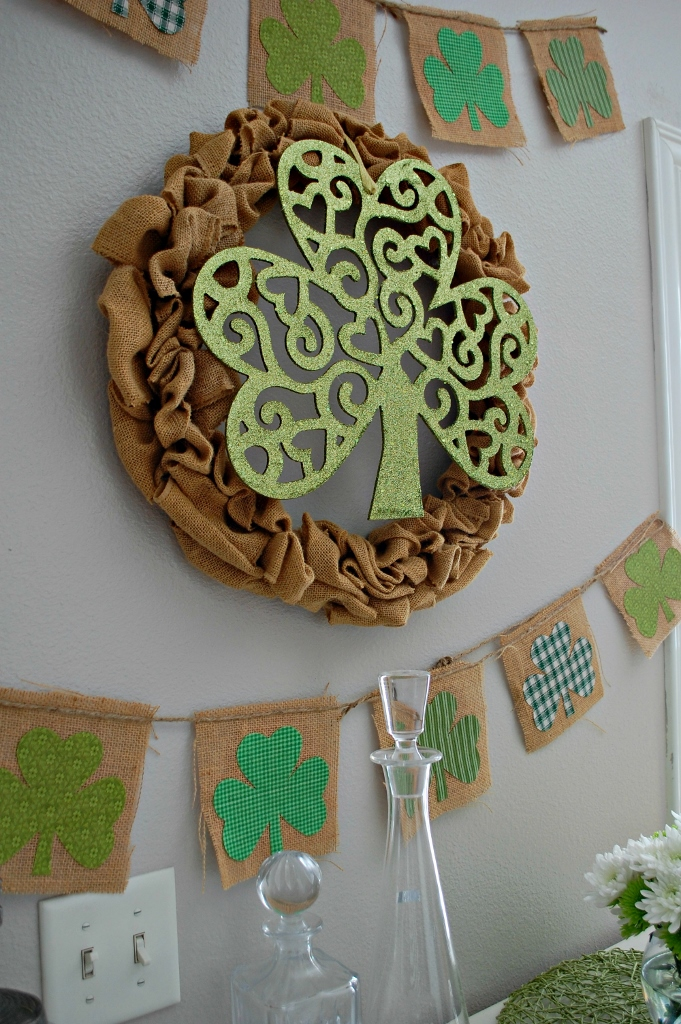 St. Patricks Day Clover Wreath | missfrugalfancypants.com