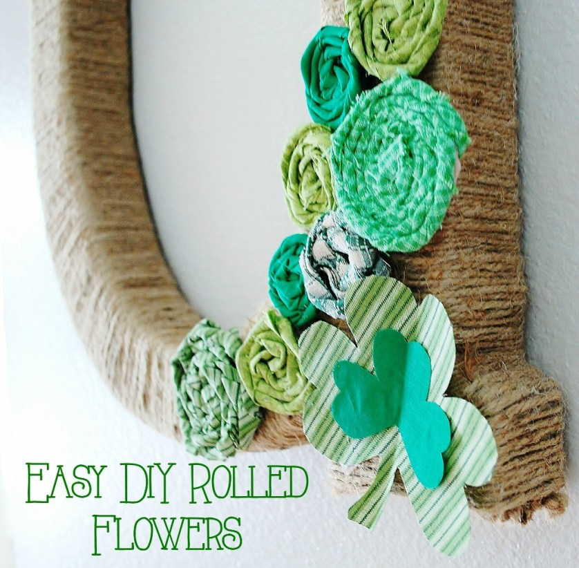 St. Patricks Day Initial Wreath Flowers | missfrugalfancypants.com