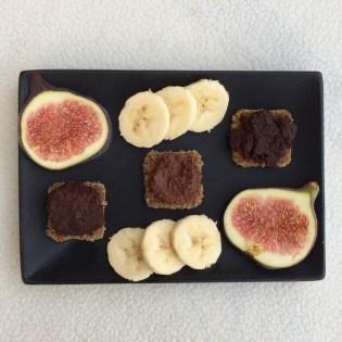 Brot mit Nutella vegan Früchte gesund