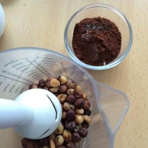 Haselnüsse pürieren für Nutella