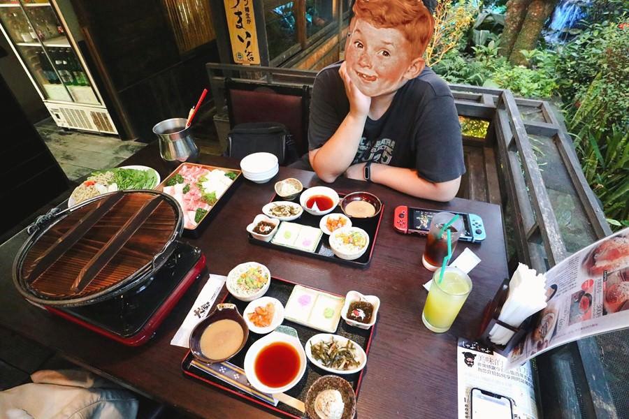 沖繩名護美食【うふやーUFUYA/百年古家/大家】在和式庭院與瀑布邊用餐.琉球歷史老宅.在絕美景觀餐廳享用高級阿古豬料理