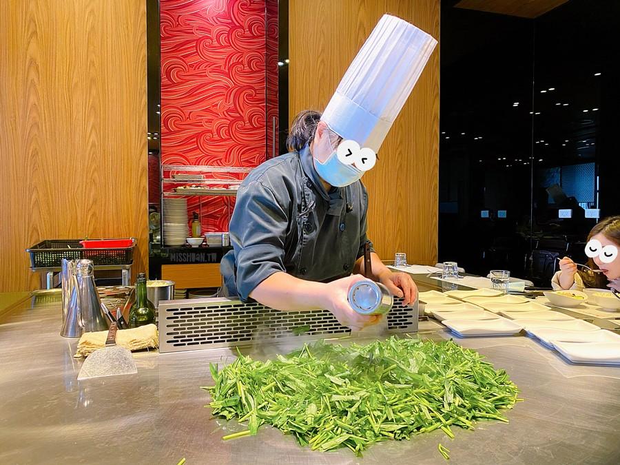 桃園大園美食【鱻廚鐵板燒】單人套餐只要298元!華泰名品城餐廳!