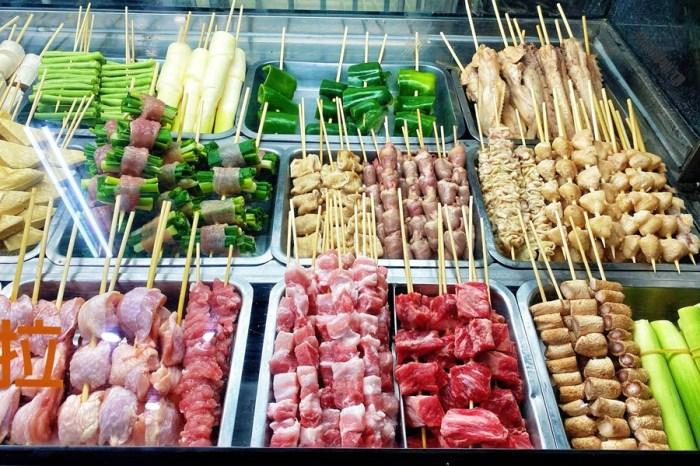 台中西區美食【ㄚ成烤肉】原向上路烤肉伯!最新地址在這邊!燒烤肉串超好吃!現在還有內用區囉!