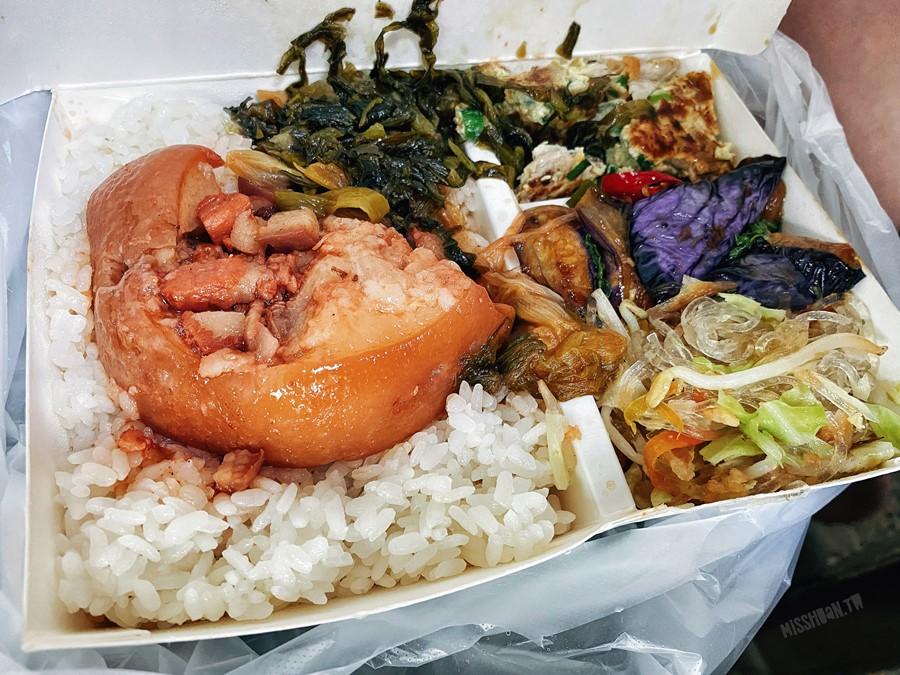 台中太平美食【東興市魯肉義】不用跑去漢口路就能吃到啦!僅賣午餐/晚餐時段喔!宵夜場可是吃不到的!