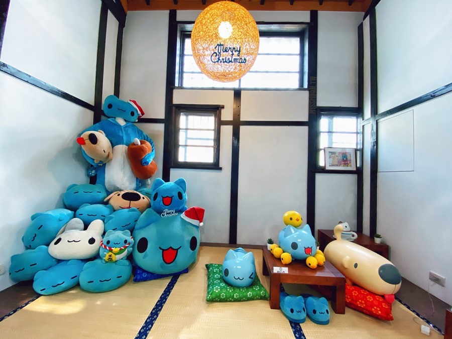 台中西區景點【咖波屋】超可愛人氣插畫貓貓蟲禮品店!免費參觀!主題奶泡貓咖啡館!