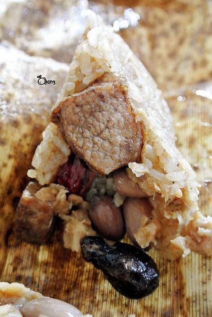 新北石門美食 劉家肉粽 北海岸30年老店 彌月油飯 肉粽禮盒 石門洞 十八王公 婚紗廣場 白沙灣