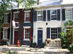Город Александрия, штат Вирджиния: английская колониальная архитектура района Old Town. Источник www.city-data.com