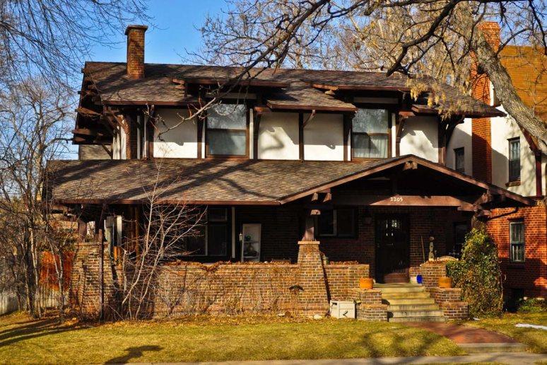 Классический дом в стиле Craftsman на основе стиля Bungalow. Источник imgkid.com